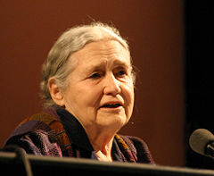 Doris Lessing i 2006. Foto: Elke Wetzig / Wikipedia.
